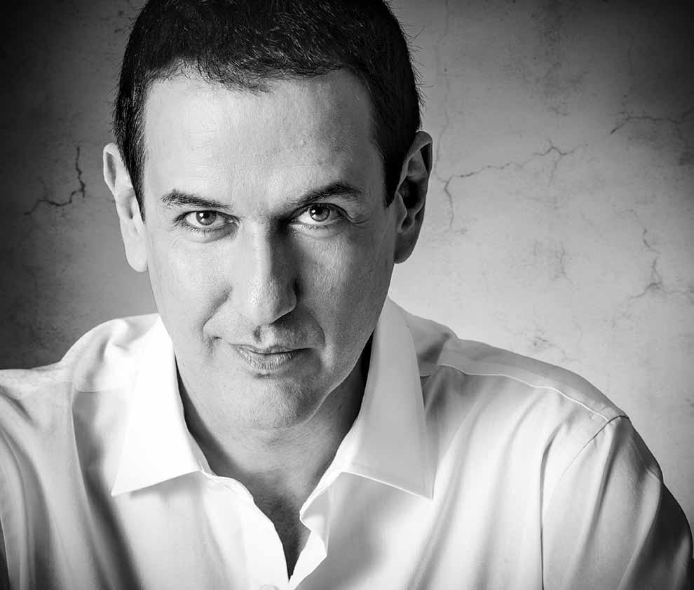 Entrevista Roberto Santiago