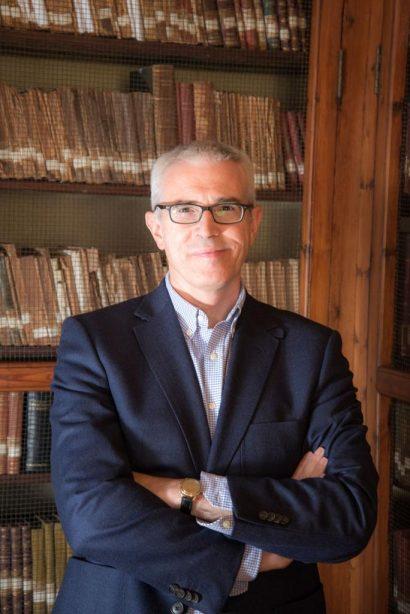 Entrevista al escritor Emilio Lara
